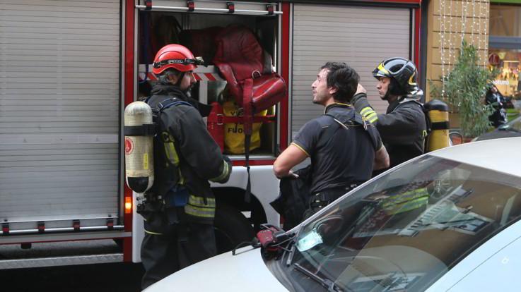 Reggio Emilia, incendio in una palazzina: due morti, 40 intossicati