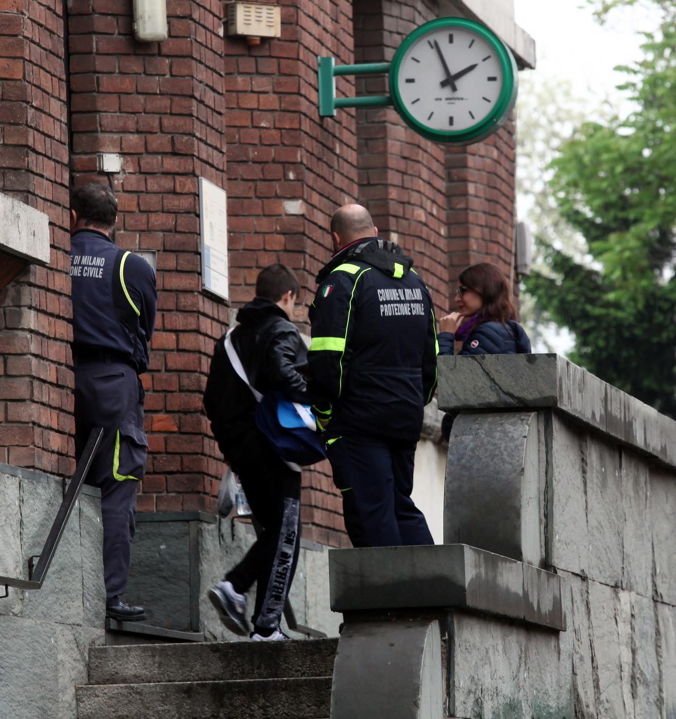 Pavia e Cremona, nelle scuole 38 ragazzi attaccati con lo spray al peperoncino: nessuno è grave