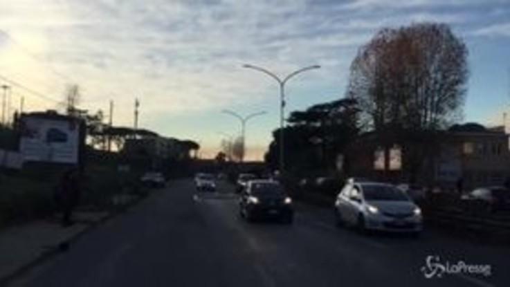Roma, le fiamme dal deposito di rifiuti dell'Ama sulla Salaria