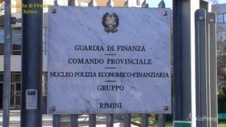 Rimini, scoperta maxi frode internazionale: fatture false per 108 milioni di euro