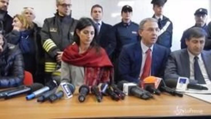 """Incendio di via Salaria a Roma, contestato Costa: """"Vergognatevi, l'impianto va chiuso"""""""