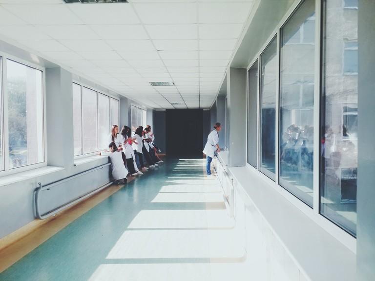 Più di un anno di attesa per una cataratta o una mammografia: un italiano su tre ha difficoltà di accesso ai servizi sanitari