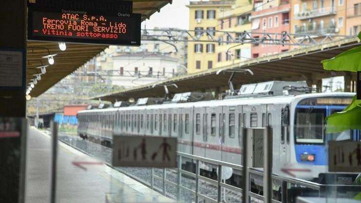 Legambiente, le 10 linee di treni più critiche per pendolari: in testa la Roma-Lido