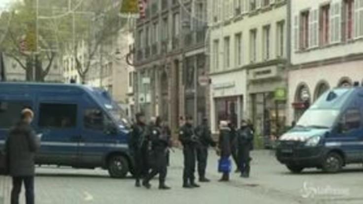 Strasburgo, mercatini chiusi e agenti per strada dopo l'attacco