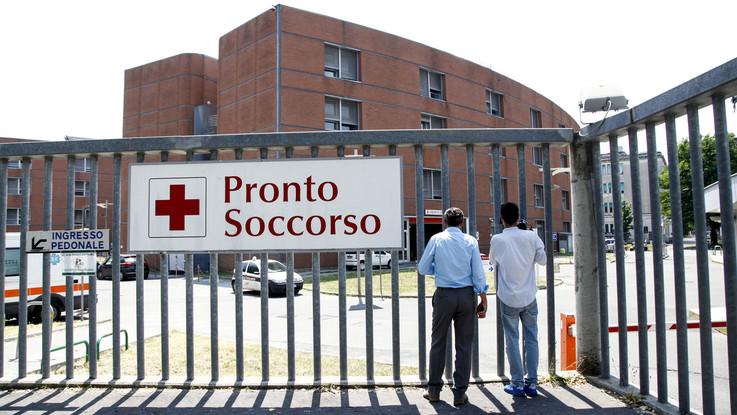Milano, suv investe pedoni a fermata bus: morto 23enne
