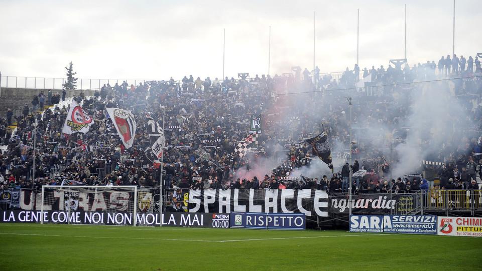 Ascoli-Cittadella 1-1. I tifosi dell'Ascoli ©