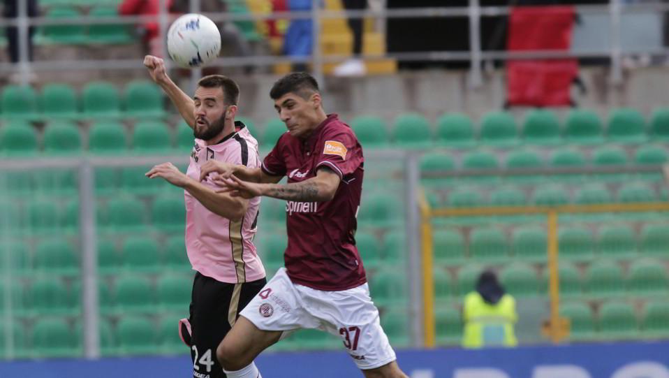 Palermo-Livorno 1-1. Szyminski contro Canessa ©