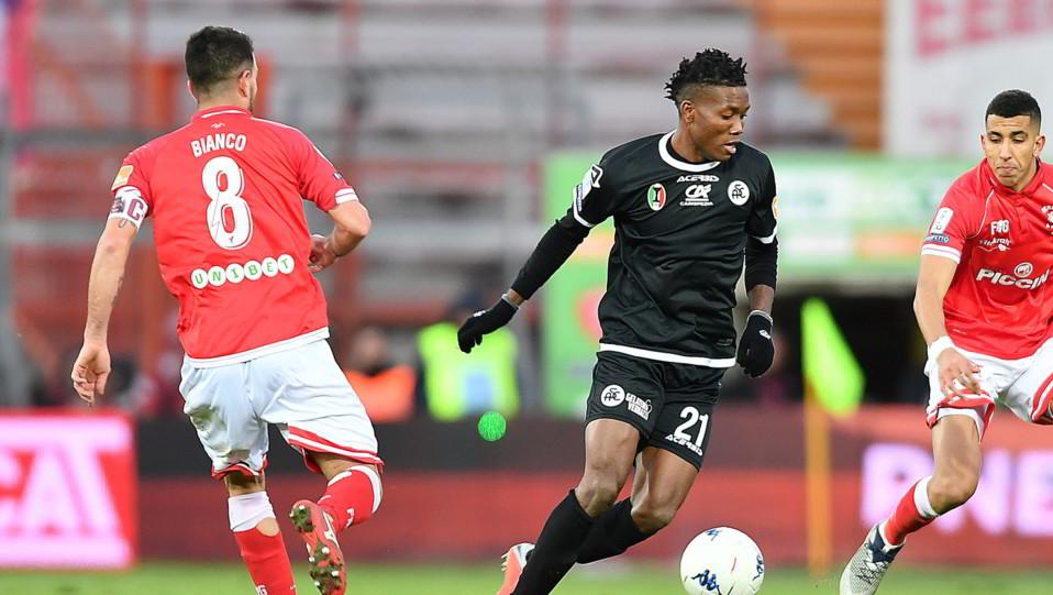 Perugia-Spezia 1-1. Okereke contro Bianco ©