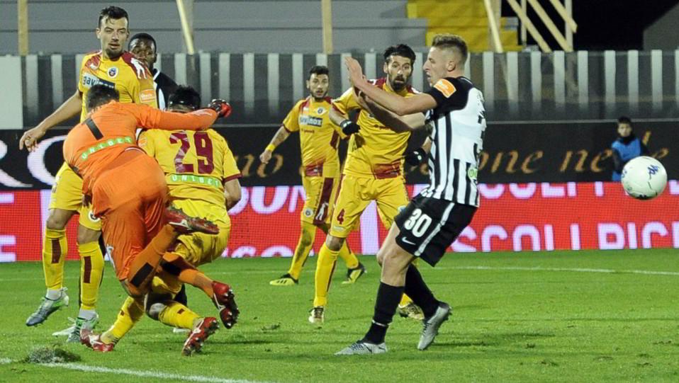 Ascoli-Cittadella 1-1. Paleari salva ©