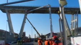 """Ponte Morandi, aperto cantiere per demolizione, Bucci: """"Non è solo per la città, ma per la Regione e l'Italia"""""""