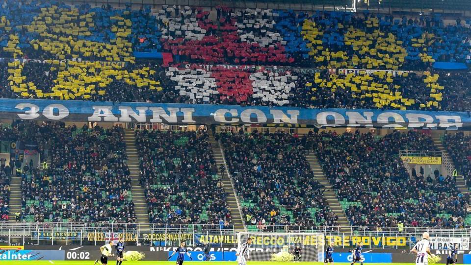 La curva dell'Inter a inizio match ©