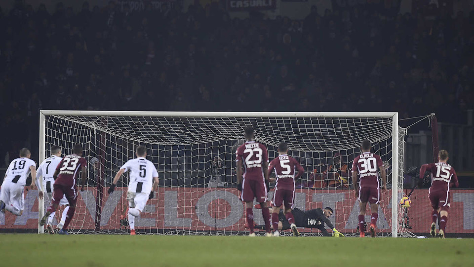 Ronaldo segna il gol del vantaggio ©