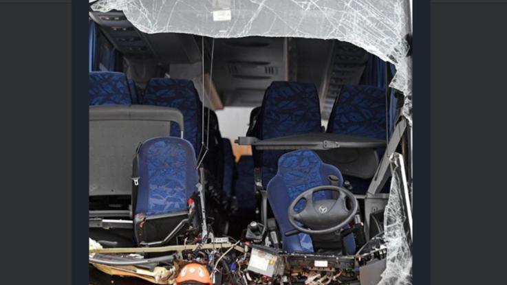 Svizzera, si schianta pullman Flixbus: muore 37enne italiana, 43 feriti