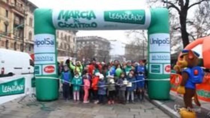 Milano, grandi e piccini alla Marcia del giocattolo