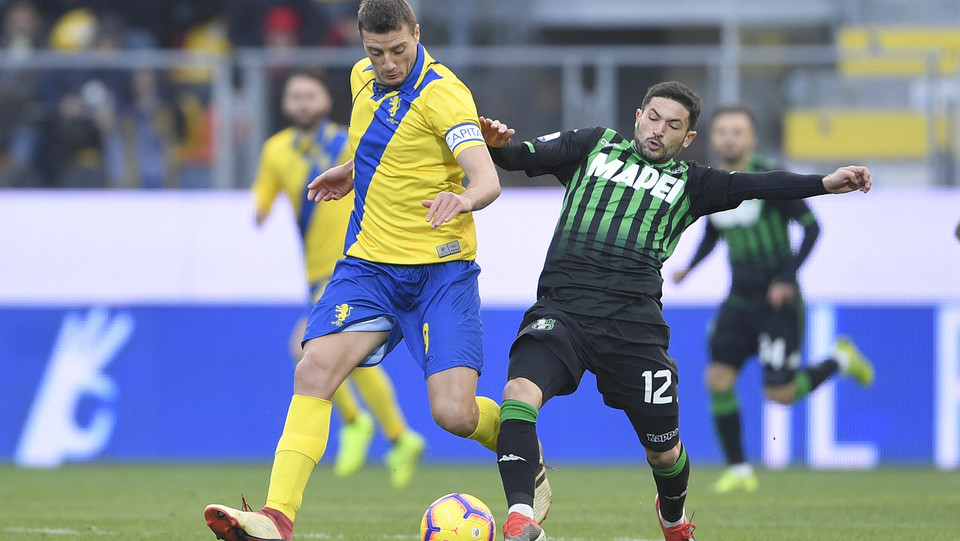 Daniel Ciofani (Frosinone) e Stefano Sensi (Sassuolo) ©