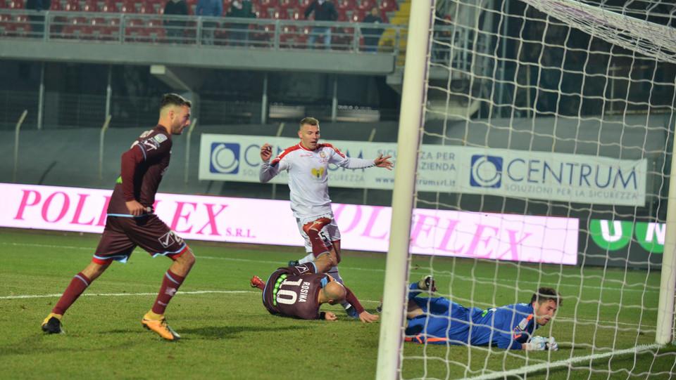 Carpi-Salernitana 3-2. Rosina segna il secondo gol per la Salernitana ©