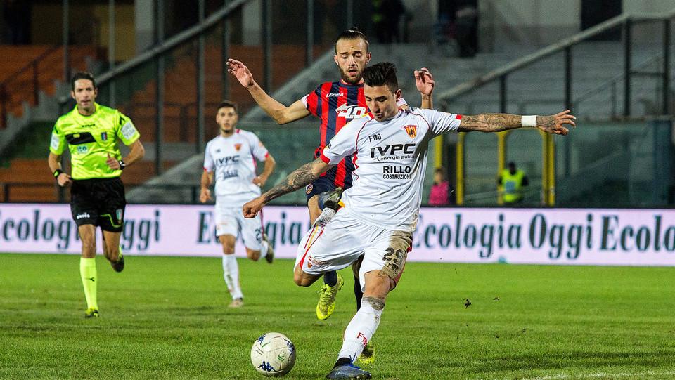 Cosenza-Benevento 0-0. Asencio (Benevento) e Mungo (Cosenza) ©