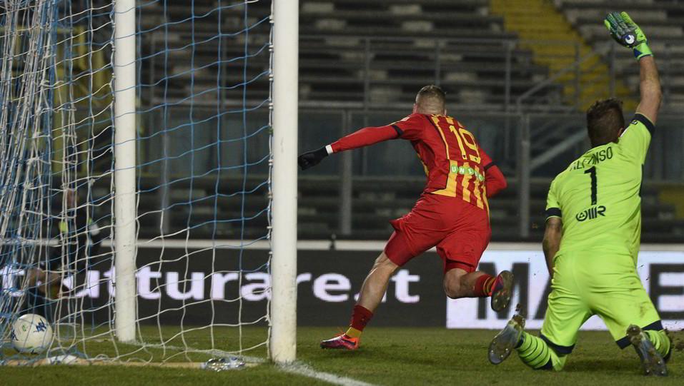 Brescia-Lecce 2-1. Il vantaggio pugliese di La mantia ©