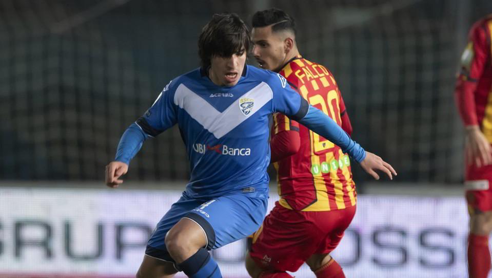 Brescia-Lecce 2-1. Tonali contro Falco ©