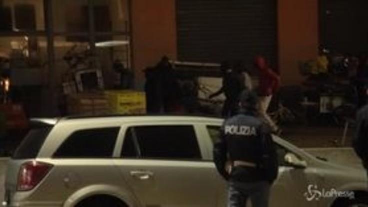 Migranti, a Torino scatta lo sgombero delle cantine occupate del Moi