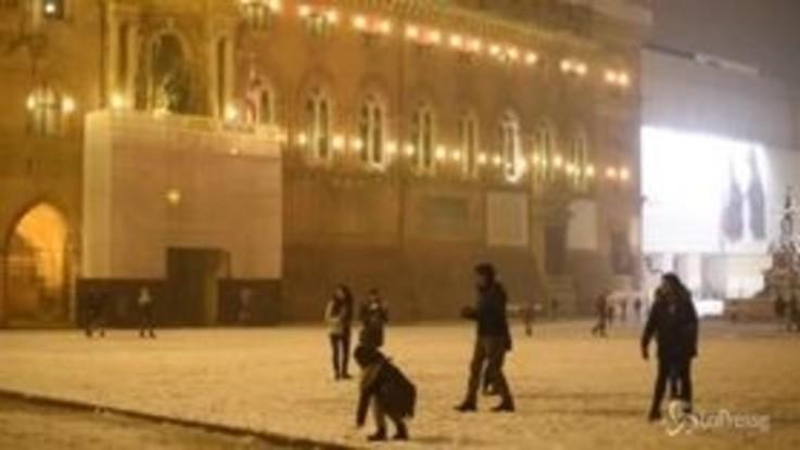 Bologna 'imbiancata': le immagini della prima nevicata