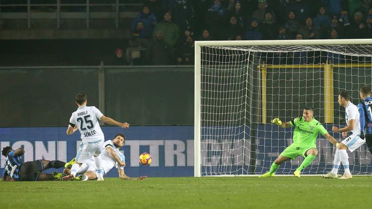 Serie A, Zapata trascina Atalanta: Lazio ko 1-0, il Var annulla il pari di Acerbi al 92'