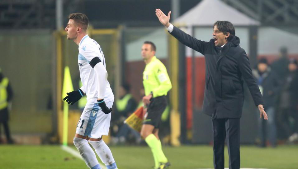 Inzaghi dà ordini, davanti a lui Milinkovic-Savic ©