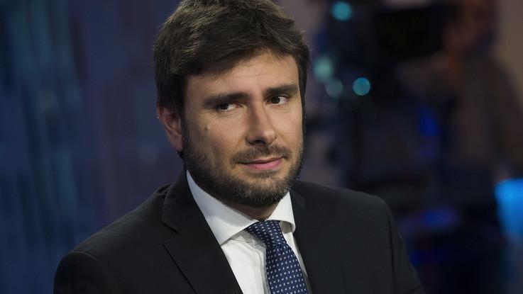 """Di Battista ammette e rilancia: """"Azienda familiare ha problemi, come altre"""""""