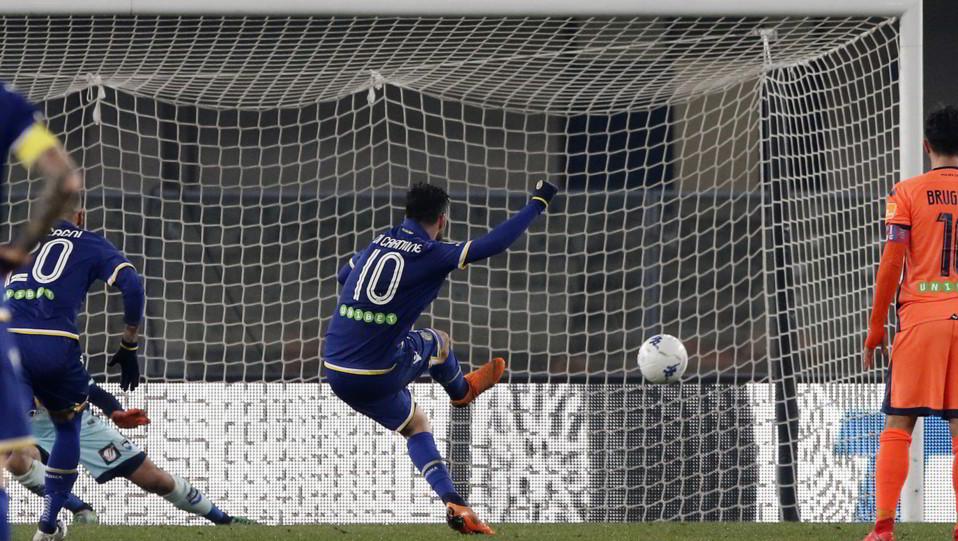 Verona-Pescara 3-1. Di Carmine raddoppia su rigore ©