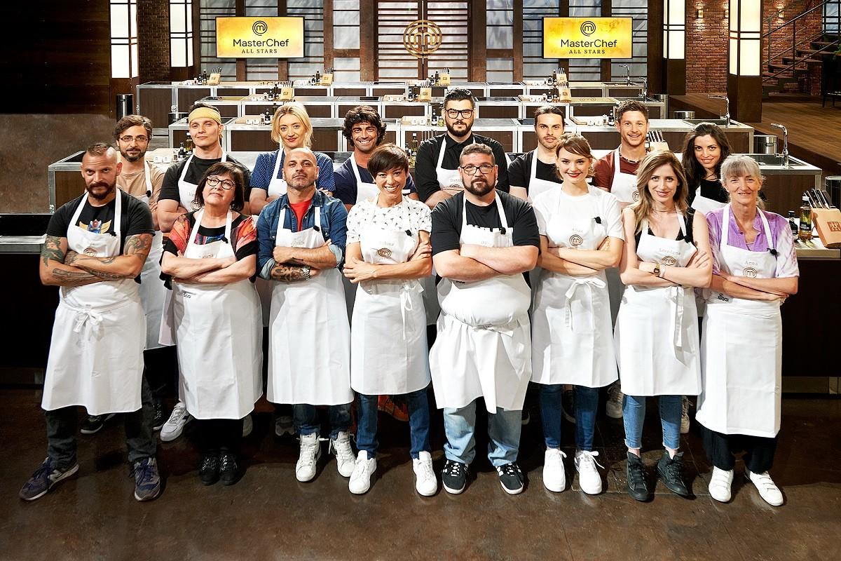 Riaprono le cucine di MasterChef: si comincia con gli chef All Stars