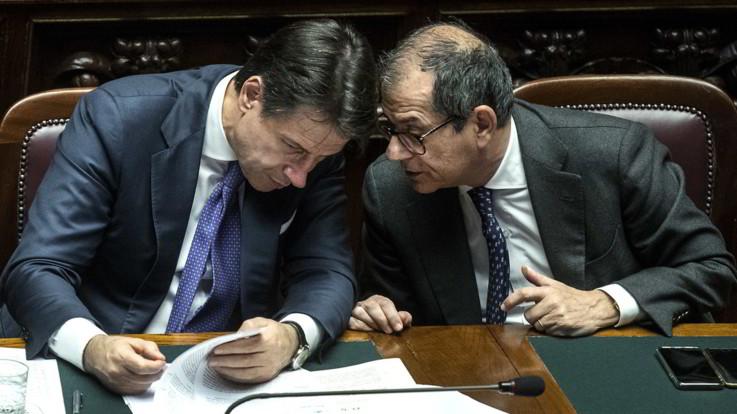 Manovra, polemiche sulla proposta per la Tari in bolletta. Deficit/Pil al 2%