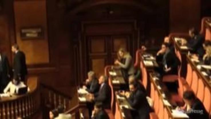 Manovra, caos al Senato: capigruppo chiedono di leggere il testo della legge