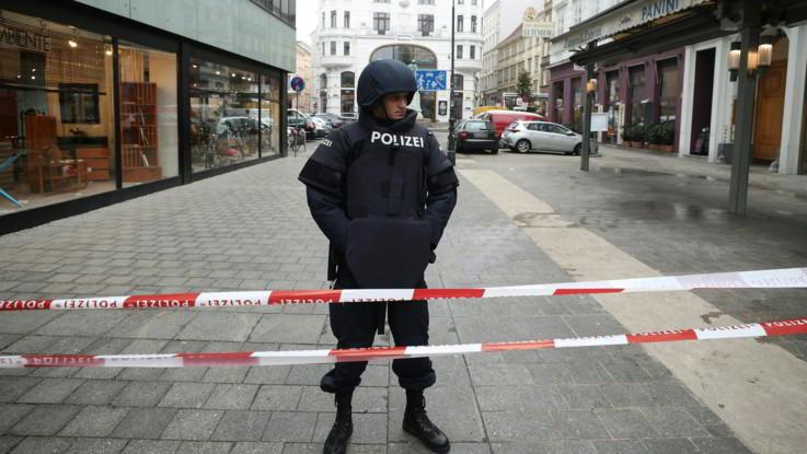 Vienna, sparatoria in centro: un morto. Assalitore in fuga