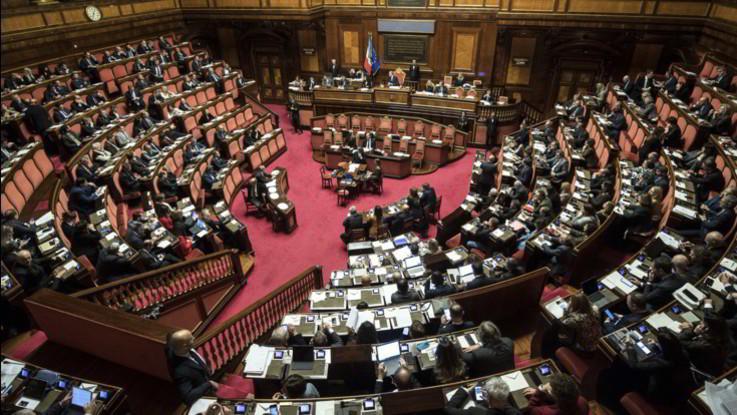 Manovra, confermati tagli editoria, azzeramento fondi dal 2022