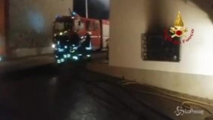 Due morti in incendio a Monterchi: l'intervento dei vigili del fuoco