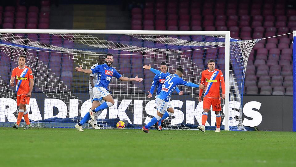 Albiol fa 1-0 a fine primo tempo ©