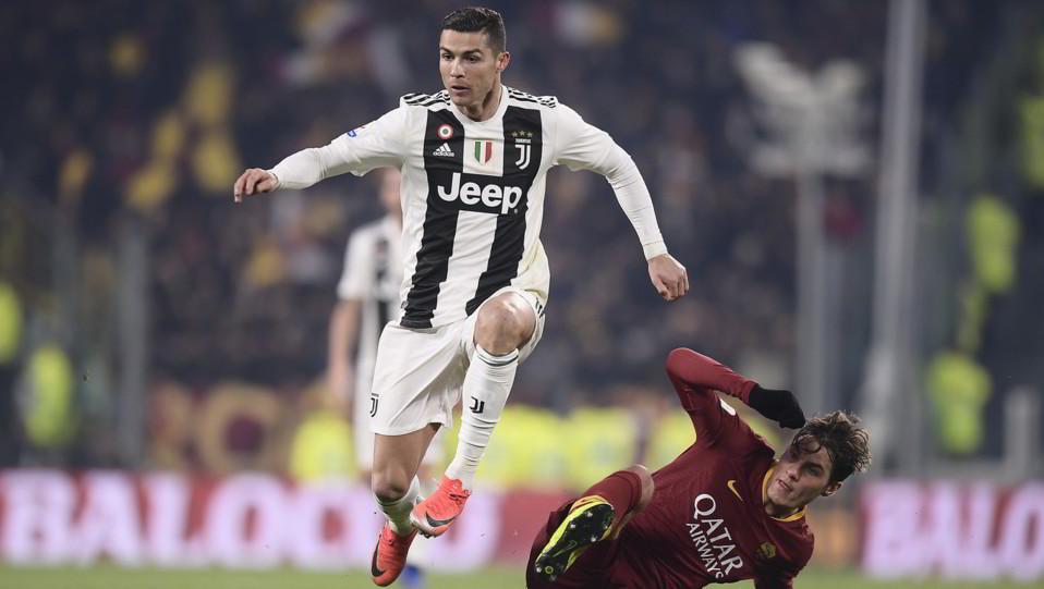 Ronaldo contro Schick ©