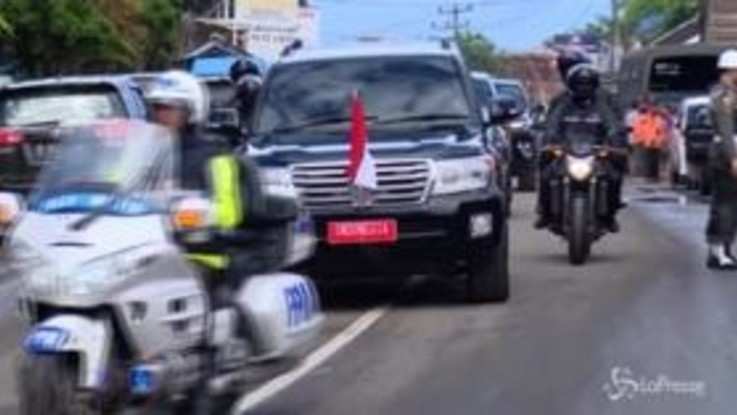 Indonesia, la visita del presidente alle zone colpite dallo tsunami