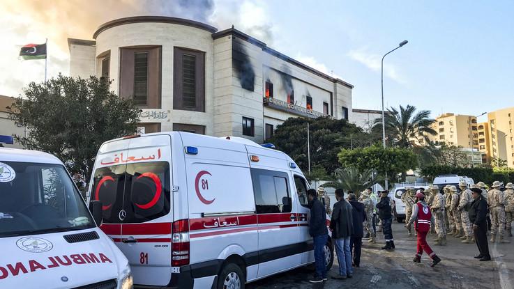 Tripoli, attacco terroristico al ministero degli Esteri: almeno tre morti e dieci feriti
