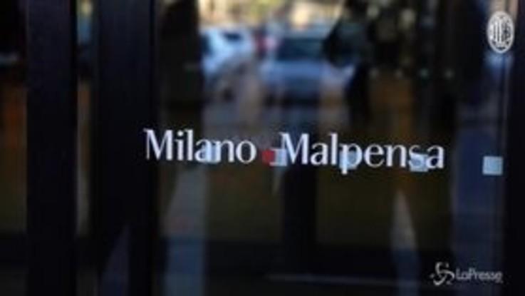 Serie A, il Milan in partenza per Frosinone