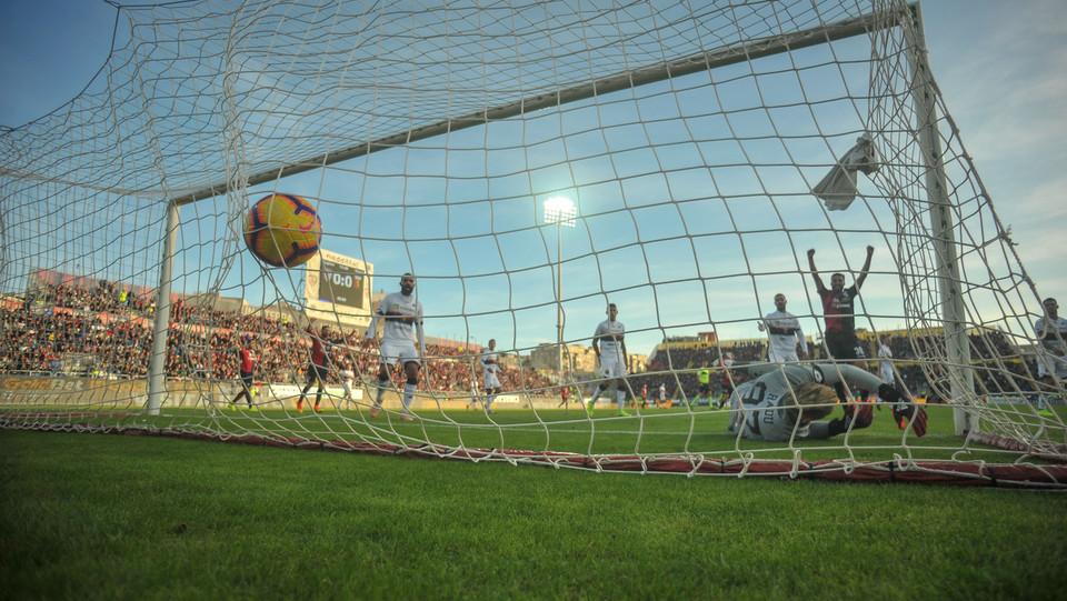 Il gol di Farias ©