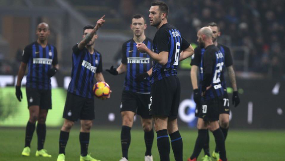L'Inter aspetta la decisione del Var ©