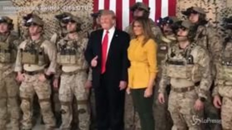 Trump e Melania visitano le truppe Usa in Iraq