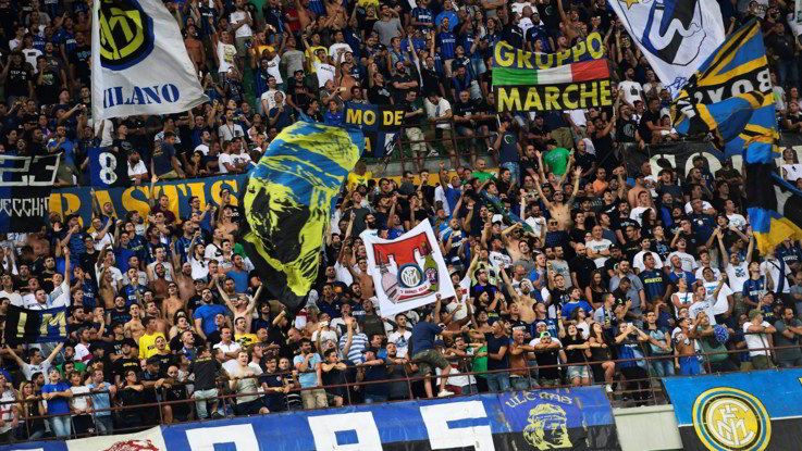 """Morto tifoso dell'Inter negli scontri pre-partita contro il Napoli. Questore: """"Trasferte vietate e chiusa curva nerazzurra"""""""