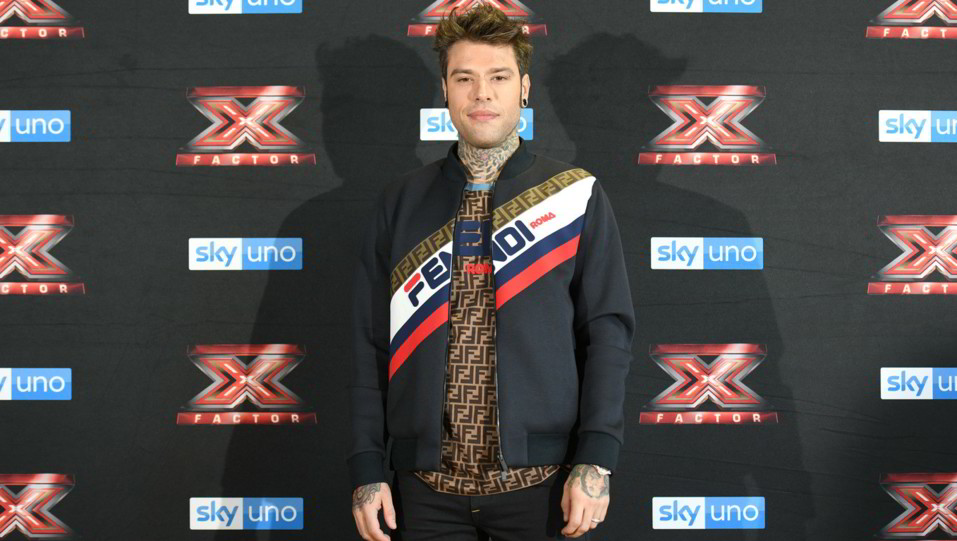 Fedez, in una foto come giudice di X-Factor ©