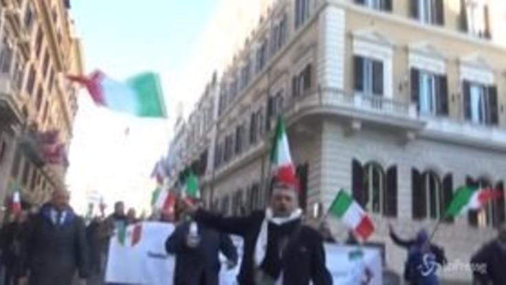 Roma, gli Ncc non si fermano: le immagini della protesta