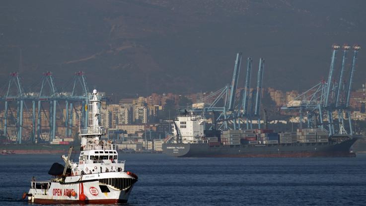 Migranti, è finita la traversata dei 311: la nave Ong arriva in Spagna