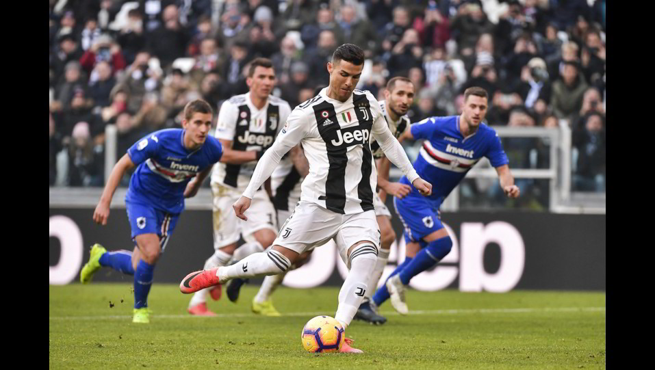 Ronaldo non sbaglia dal dischetto ©