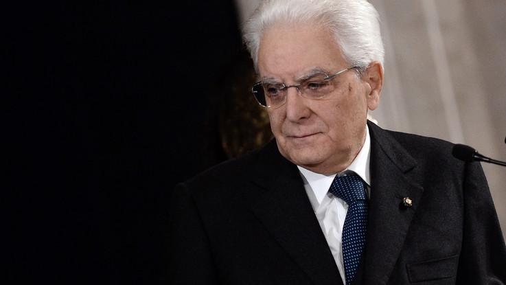 """Mattarella conferisce onorificenze a 33 """"eroi"""" dei nostri tempi"""