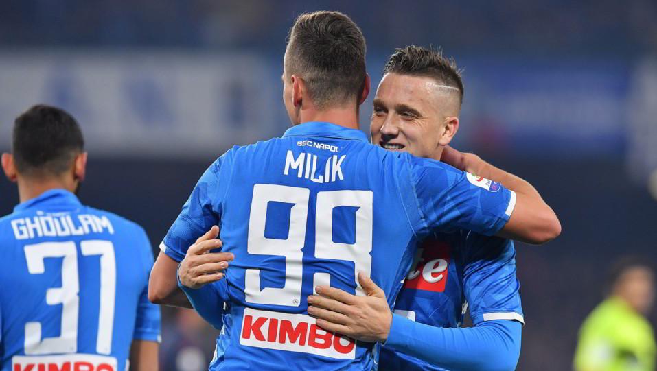 Milik festeggia l'1-0 con Zielinski ©